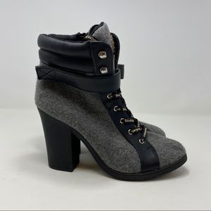 Juicy Couture Women's Gray Heels Size 8 (A131)